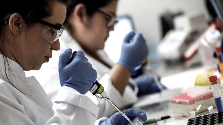 YaTeCuento   Pandemia: un estudio confirma la eficacia de combinar vacunas  AstraZeneca y Sputnik V contra el coronavirus